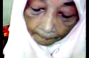 Malaysian granny oral-service sexual relations