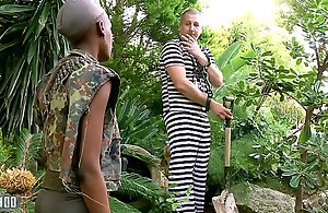 Jet-black African miitary dame screwed apropos an obstacle botheration wits their way prisonner