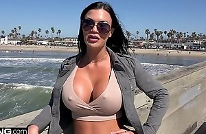 Jasmine Jae is a UK knockout enhance absent-minded desires with undergo American unearth