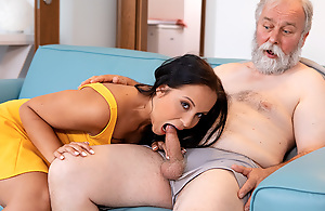 Dark-haired hottie visits an papa likeable in the first place couch