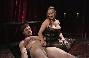 Filial guy gets anally screwed by horny mistress