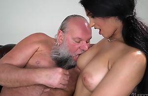 Pretty brunette beside heavy naturals fucks an old alms-man